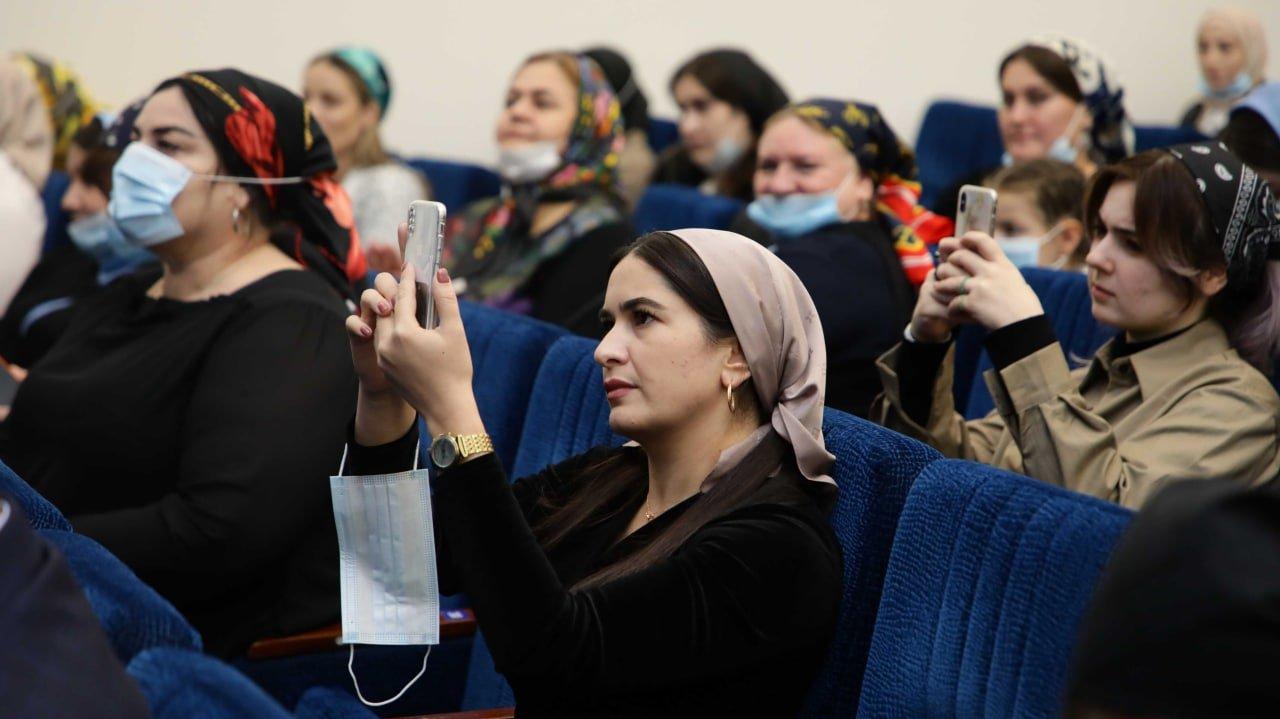В ЧГПУ состоялось торжественное открытие VIII Фестиваля науки NAUKA 0+                Кафедра педагогики    Институт филологии, истории и права    АСПИРАНТУРА